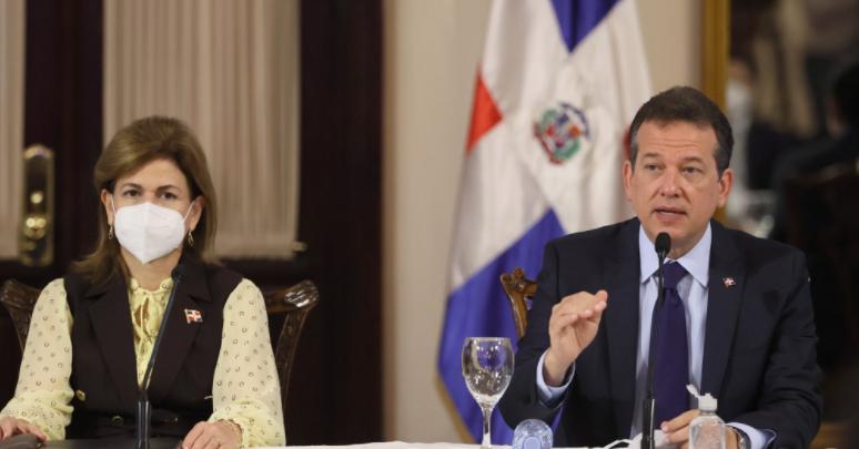 Gobierno promulga decreto para regular metanol; arrecia lucha contra  bebidas adulteradas – https://www.24horas.com.do